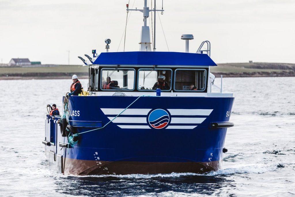 Schip de Sandoyne Lass op zee