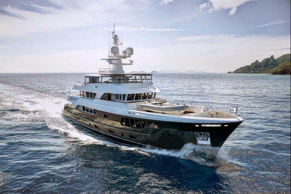Mega Yacht voor Balk Shipyard