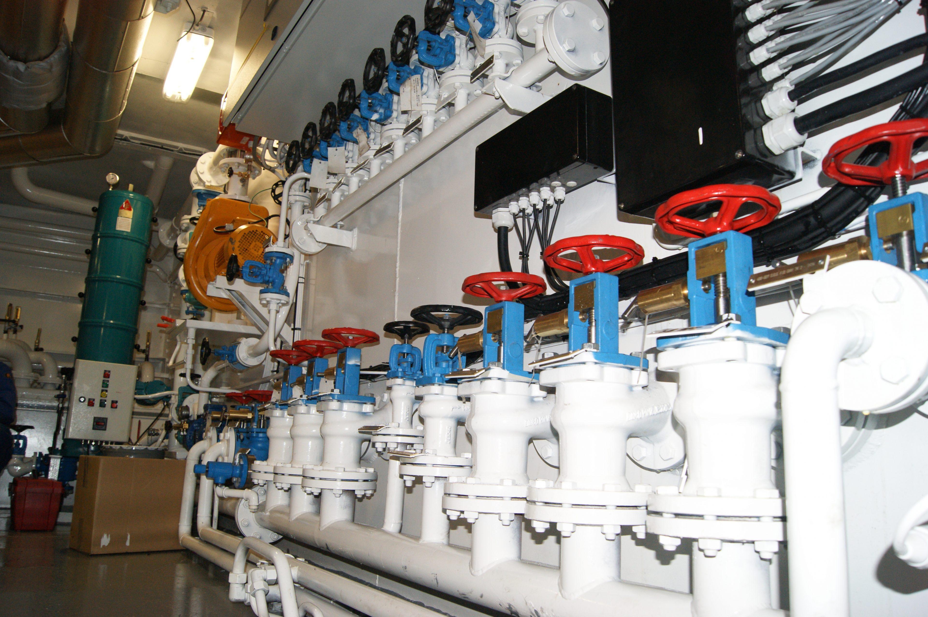 Machinekamer van het schip de Coastal Challenger