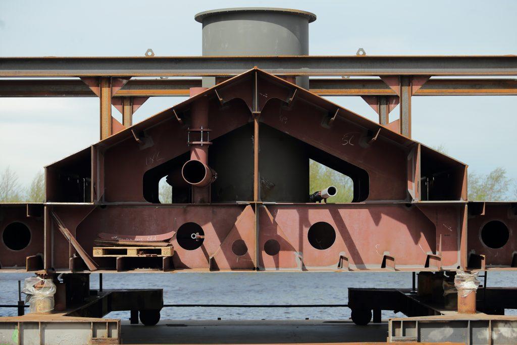 Secties gebouwd door Scheepswerf Bijlsma voor Barkmeijer Shipyards