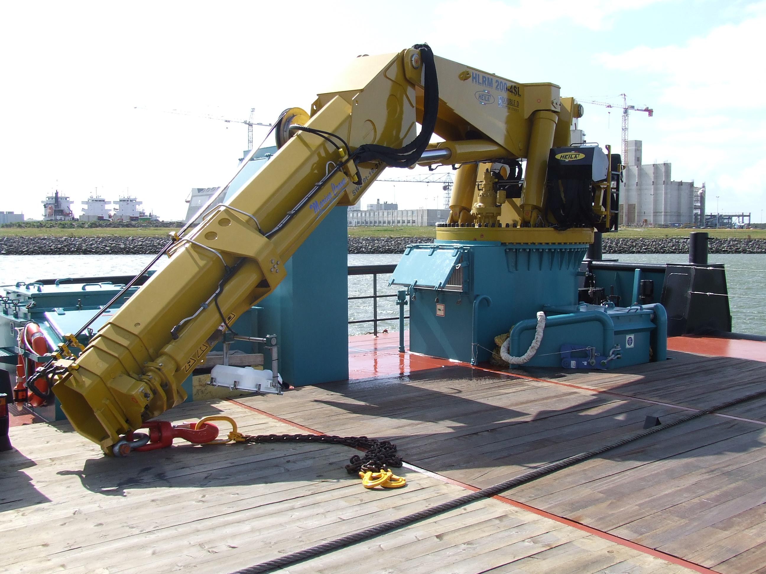 Kraan op het schip de Coastal Discovery