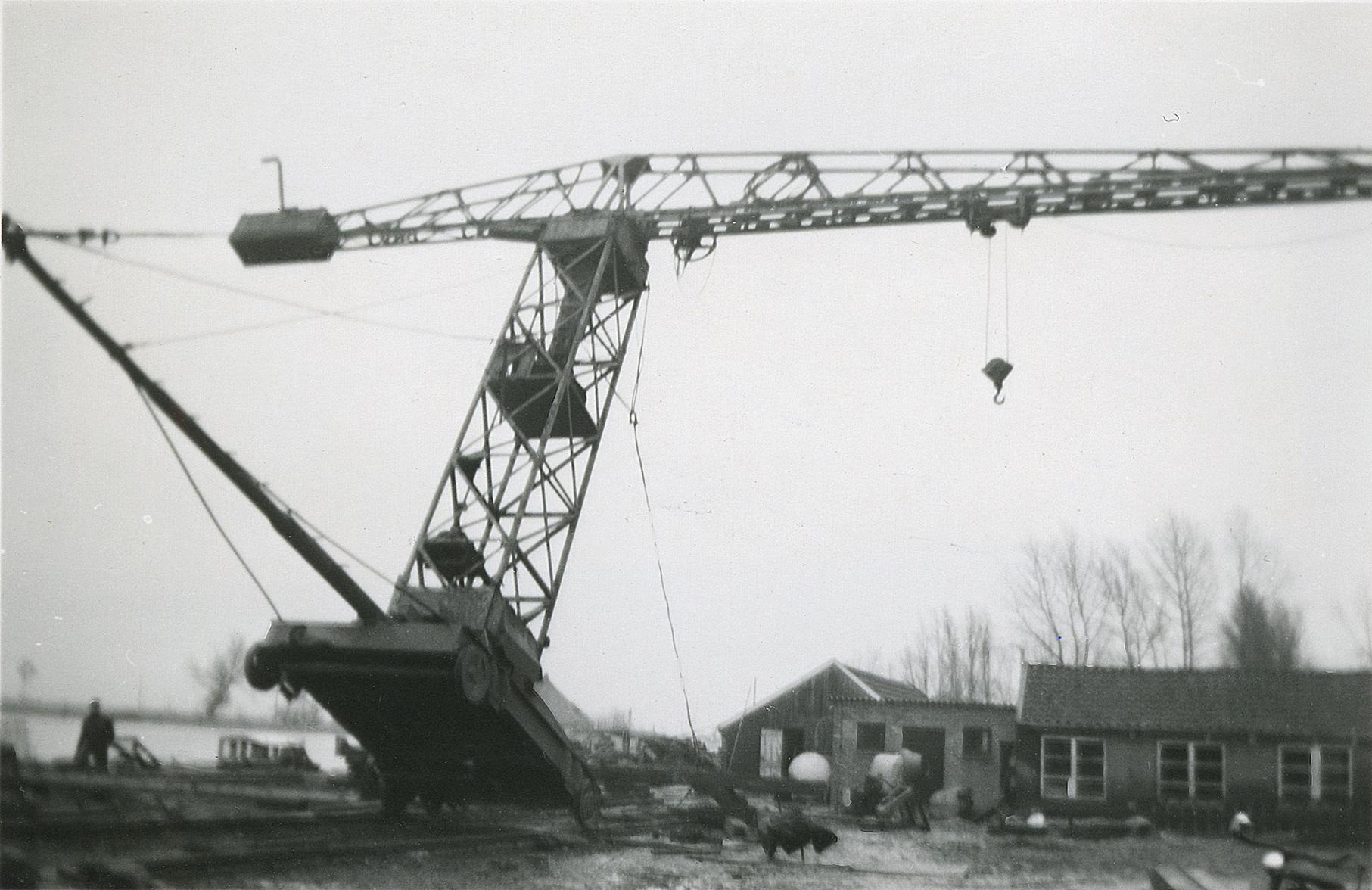 Torenkraan op scheepswerf Bijlsma